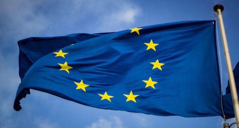 EU-kommissionen banar väg för ett digitalt kraftfullt Europa senast 2030