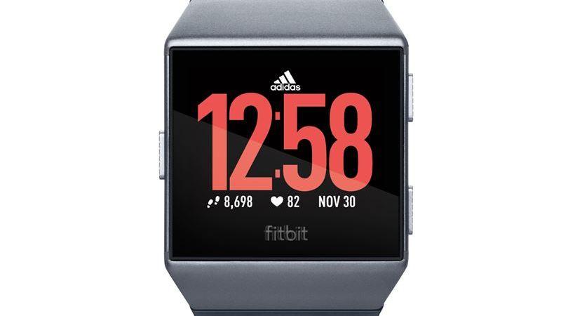 Fitbit lanserar smarta sportklockan Fitbit Ionic: adidas edition – träningskompisen för löpare på alla nivåer