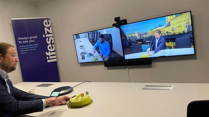 Årets 100:e kund köpte komplett videokonferenslösning – Offitech fortsätter växa inom alla affärsområden