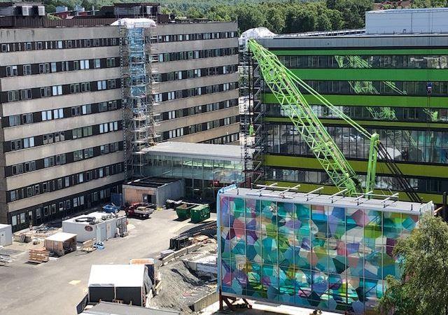 Spektakulärt lyft på nya barnsjukhuset i Göteborg