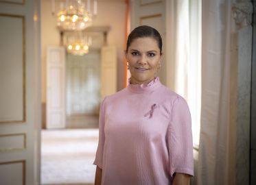 H.K.H. Kronprinsessan Victoria visar sitt stöd till Cancerfondens Rosa Band 2