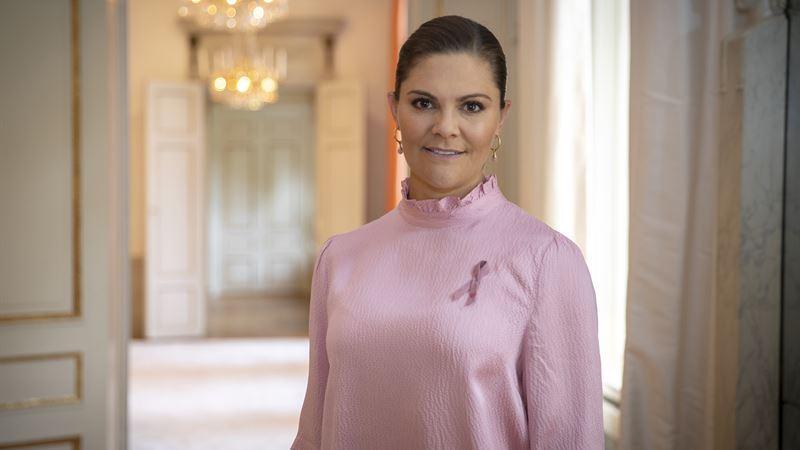 H.K.H. Kronprinsessan Victoria visar sitt stöd till Cancerfondens Rosa Band