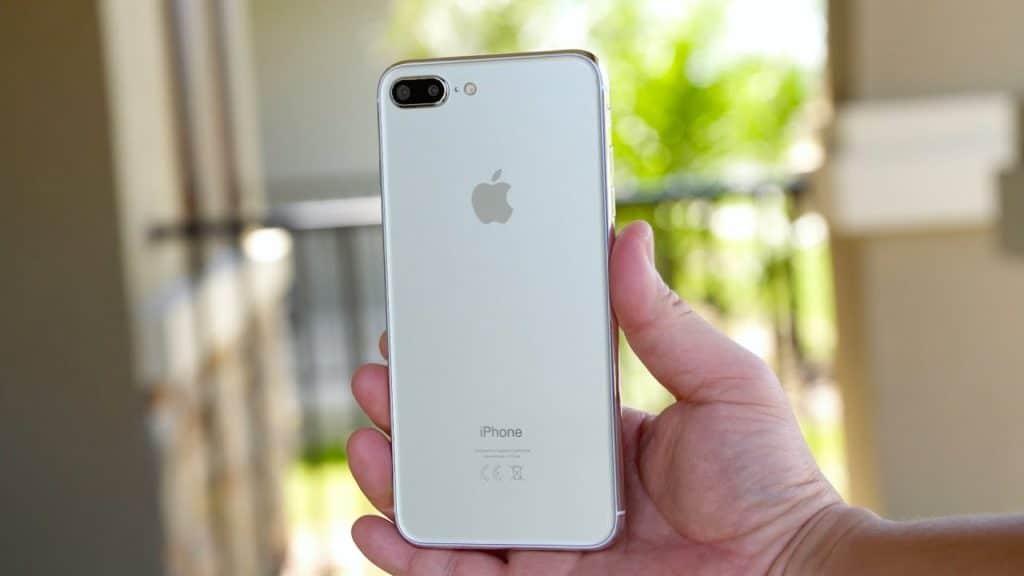 В РФ резко упал вцене самый дорогой iPhone 7 Plus