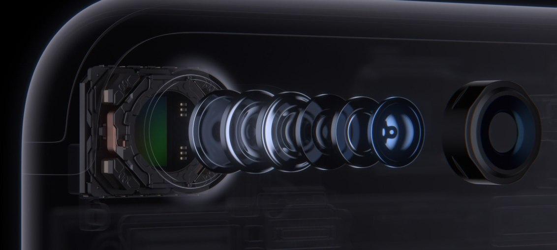 iPhone-7-Plus-camera-lens
