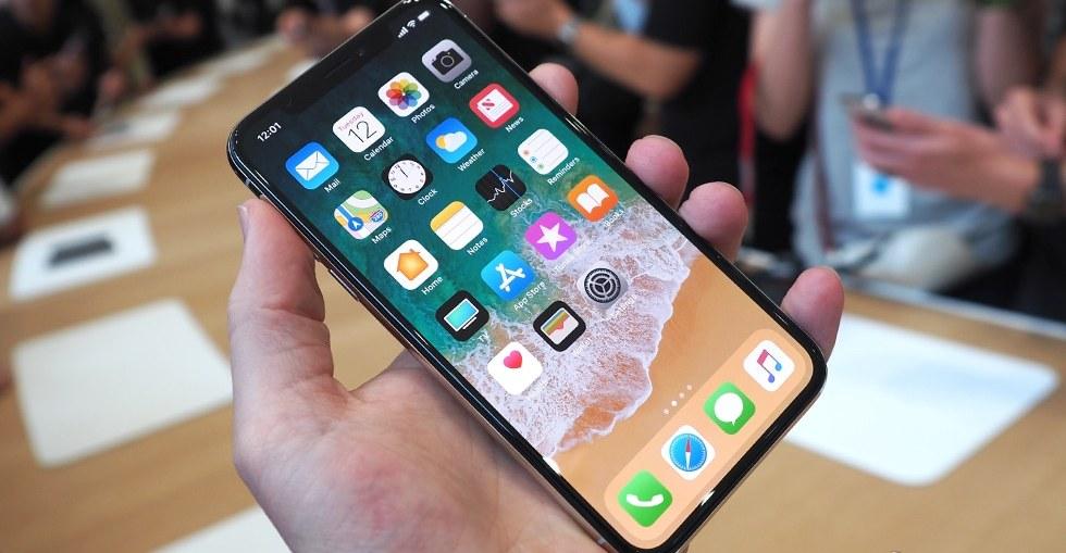 iPhone-X-hands-on-SlashGear