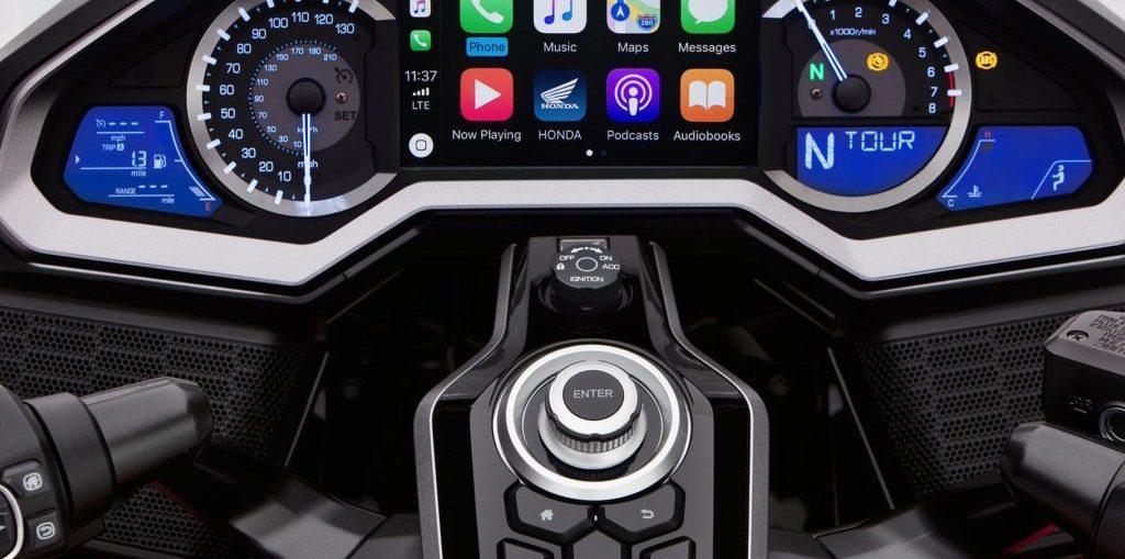 Honda-Gold-Wing-CarPlay-1024×682