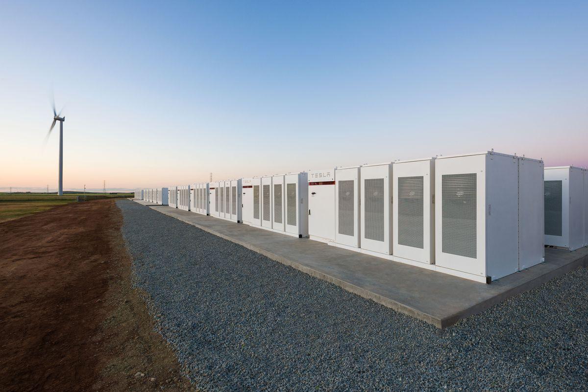 Австралия: Tesla построила наибольшую вмире батарею за100 дней