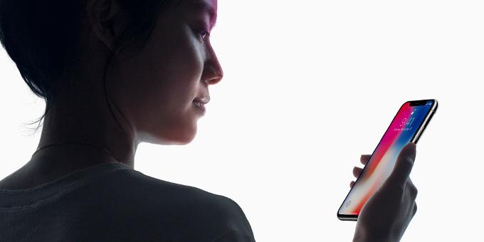 Первые владельцы iPhone X реализуют ихвтридорога