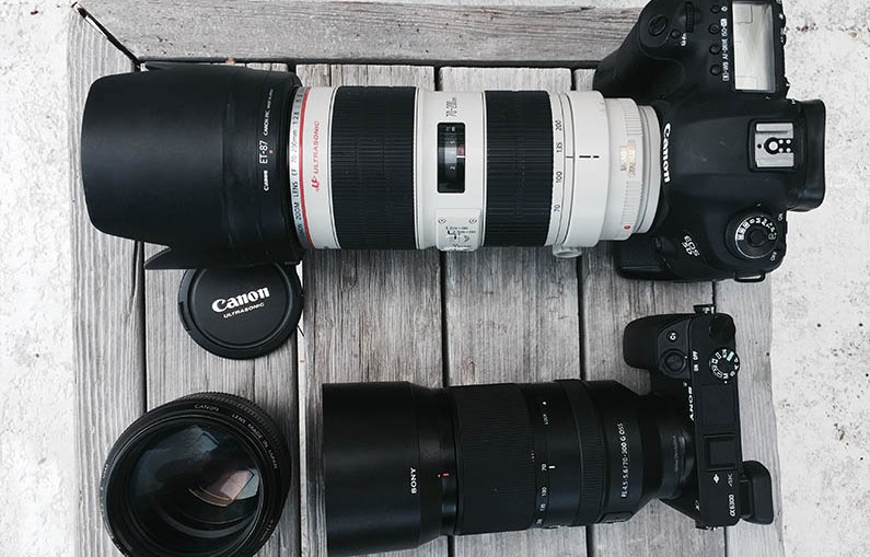 Choosing-a-Camera-for-Compact-and-Light-Traveling-dslr-mirrorless-top