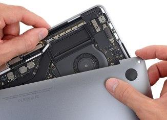 2018-MacBook-Pro-logic-board-iFixit-002