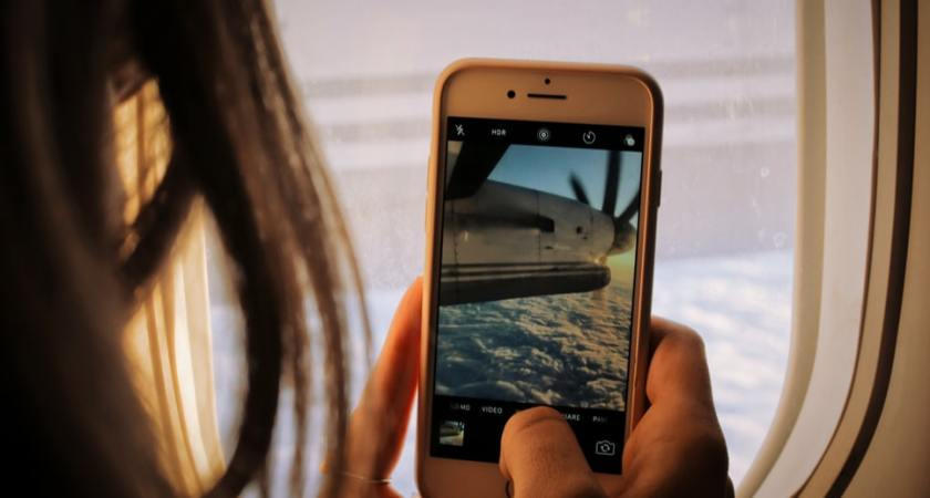 3's top 10 over mest solgte mobiler i august