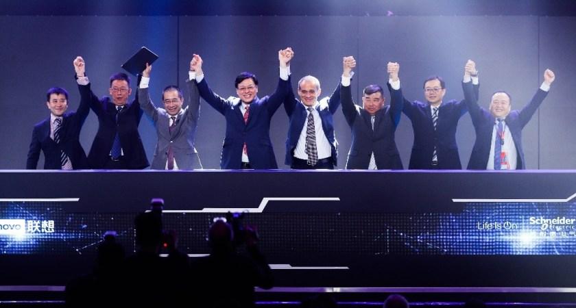 Lenovo og Schneider Electric samarbejder om fremtidens grønne produktion