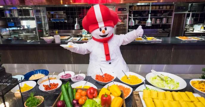 Nu bliver SkiStars familieuger endnu bedre for børn– ud over gratis skiskole og skileje er mad også en del af tilbuddet