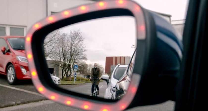 Undgå at slå bildøren op i en cyklist med Fords nye teknologi