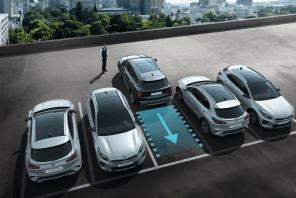 Ny KIA Sorento-teknologi hjælper føreren ind og ud af trange parkeringspladser 1