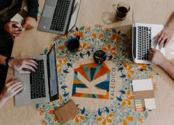 Virksomheder fastholder eller øger deres digitale budgetter trods faldende indtægter
