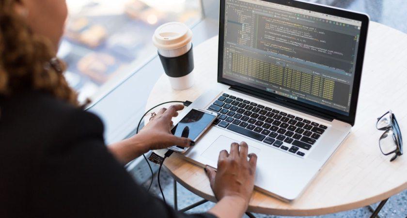Nedlukningen har stået i vejen for kvinders karriereudvikling i tech-branchen
