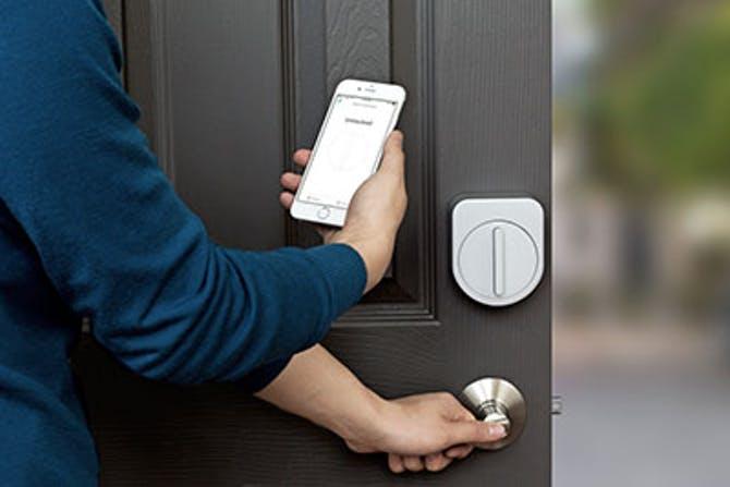 Friday Lab lanserar dörrlås som kan öppnas med mobilen