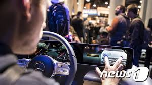 Mercedes presenterar nytt operativsystem med AI