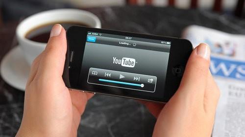 Underhållning: Allt fler väljer mobilen eller surfplattan