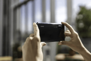 Kamera och batteritid avgör svenskarnas val av mobil 1