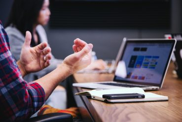 Ny undersökning visar att fyra av tio anställda oavsiktligt kommit över uppgifter om kollegors löner 1