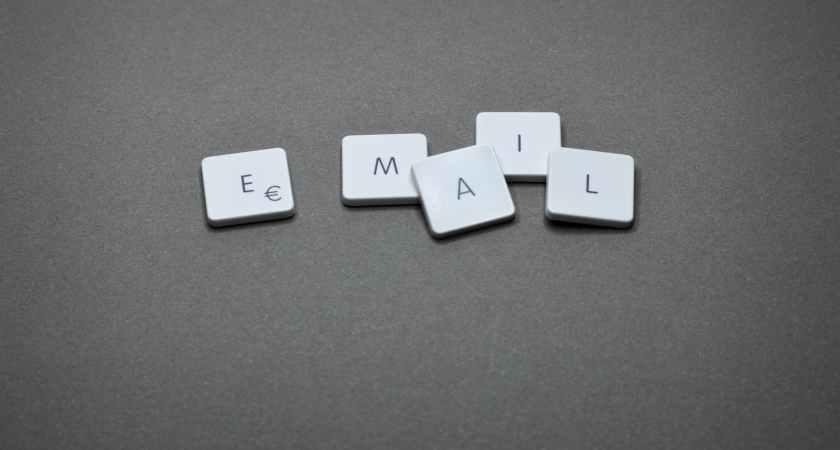 Bedragare har hittat ett sätt att distribuera skadlig epost från pålitliga företags webbplatser