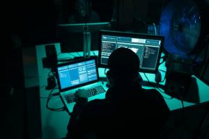 Trend Micros analys av hackarforum avslöjar: Uppkopplade produkter i såväl privata hem som på kontor i farozonen 1