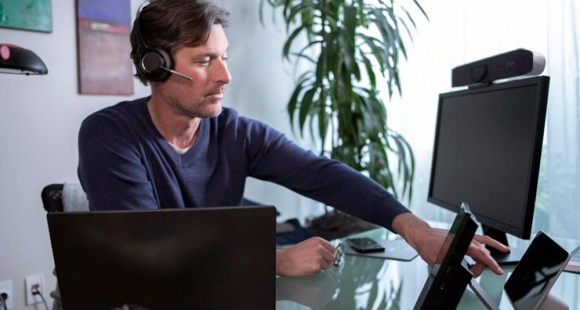 Den nya normala arbetsplatsen är hybrid enligt Poly