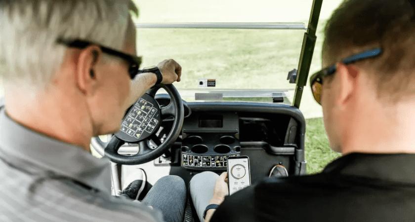 AI på armen vässar golfswingen