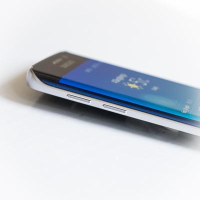 Testbloggen: Samsung Galaxy S6 Edge bryter ner Iphone 6 – med vänsterhanden
