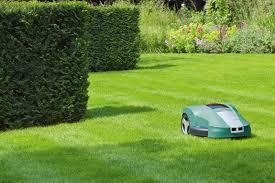 Rekordstarkt köpintresse för robotgräsklippare
