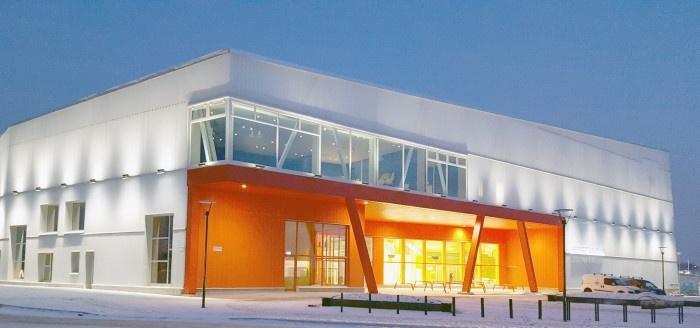 Nu öppnar Sveriges första skola helt byggd i massivträ och utifrån miljöcertifiering guld