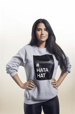 Kärleken är enorm – 25.000 #hatahat-tröjor delas ut i kampen mot näthat