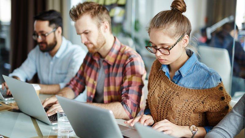 Går vi från digitala till virtuella klassrum?