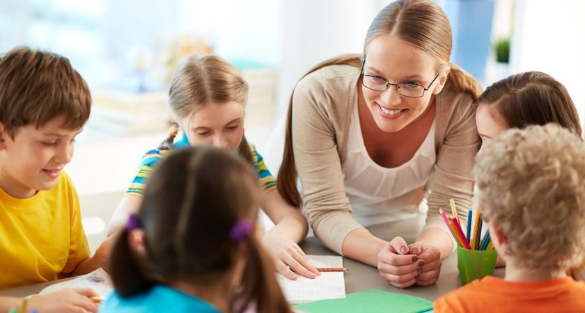 Så mycket ökar bristen på unga lärare