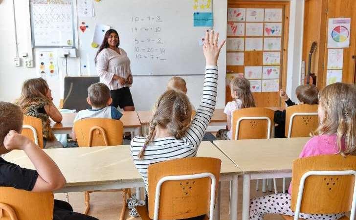 Förslag om skolpedagoger kan dras tillbaka
