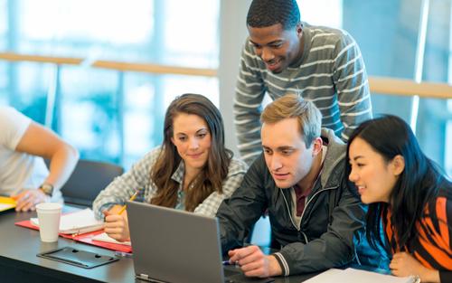 Qlik utökar satsning på gratis skolundervisning i dataanalys