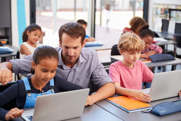 Kommuner går samman kring digitalisering i skolan