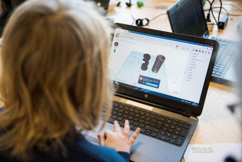 Mellanstadieelever digitaliserar hälso- och sjukvården – dags för final i DigIt 1