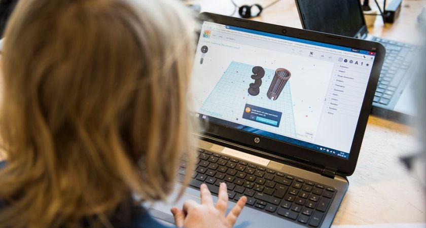 Mellanstadieelever digitaliserar hälso- och sjukvården – dags för final i DigIt