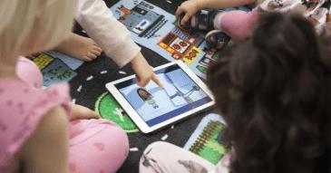 100 av Sveriges kommuner arbetar språkutvecklande i förskolan med det digitala verktyget Polyglutt 1