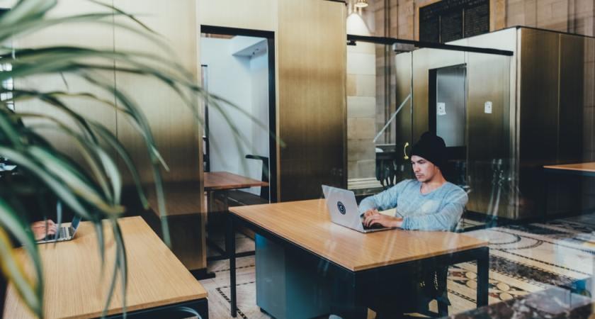 Kodning på cityföretag för 18- till 25-åringar från orten