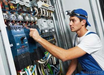 Ny utbildningssatsning – från elektriker till industrielektriker 1
