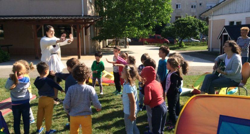 Rumäniens första skola för barn med funktionsnedsättning fyller 25 år