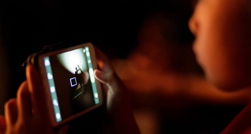 Hur kan lärandet i skolan matcha elevernas digitala vanor?