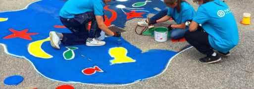Ungdomar arbetar för att förhindra skräp i sjöar och hav 3