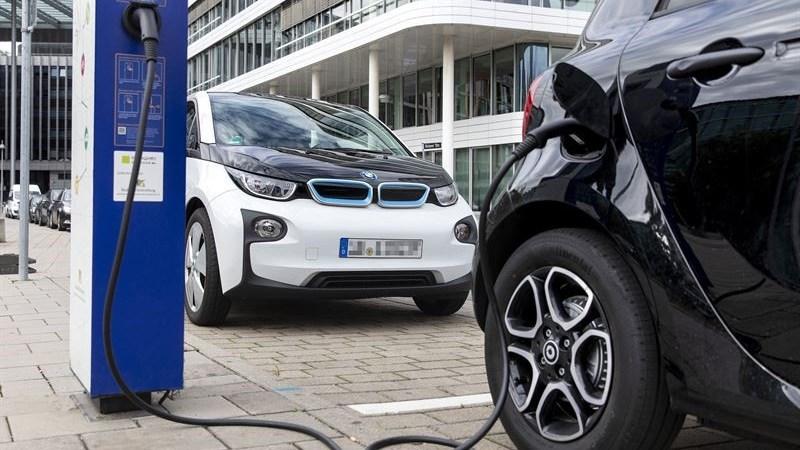 Bosch förlänger livet på batterier i elfordon med stöd av molnlösning