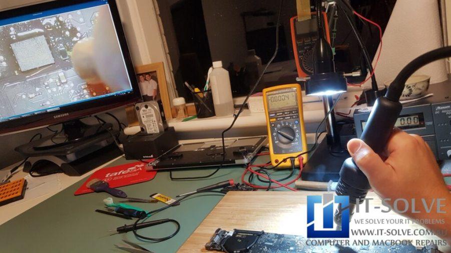 Replacing power regulator chip on Macbook Air A1466 | Mac Repairs Adelaide