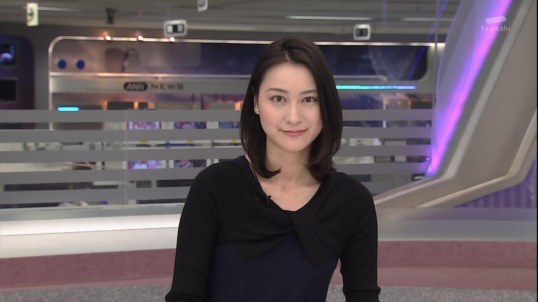 黒い衣装を着ている報道ステーションでの小川彩佳のかわいい画像
